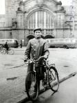 Moritz Tiefenbrunner vor dem Hauptbahnhof Wiesbaden, 1938 / Moritz Tiefenbrunner in front of Wiesbaden's  main railway station, 1938