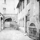 """Spiegelgasse - Badehaus zum Rebhuhn / The """"Zum Rebhuhn"""" bathhouse, Spiegelgasse"""
